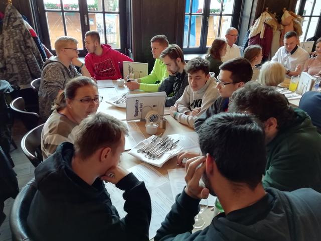 A múzeum megtkintése utáni közös ebéd